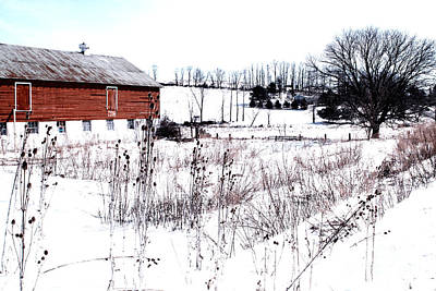 Red Barn In Winter Art Print by Gemblue Photography