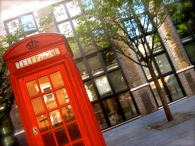 London Phone Booth Photograph - Red Box by JBDSGND OsoPorto