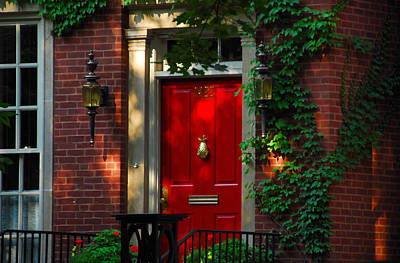 Photograph - Red Door In Chicago by Lynn Bauer