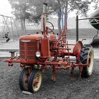 Photograph - Red Farmall by Guy Whiteley