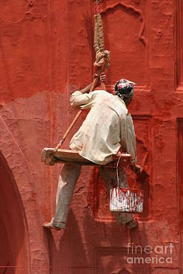 Photograph - Red Fort Painter by Nola Lee Kelsey