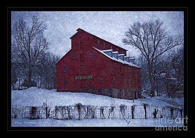 Photograph - Red Mill Antique Barn by John Stephens