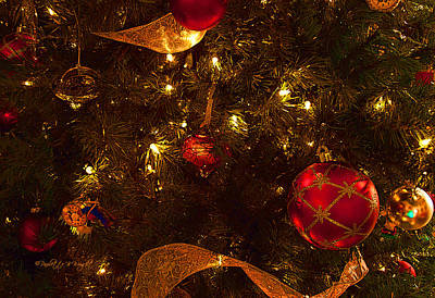 Photograph - Red Ornament And Gold Ribbon by Paulette B Wright