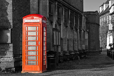 London Phone Booth Photograph - Red Phone Booth by Scott Carruthers