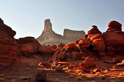 Red Rock And Spire Art Print by Marty Koch