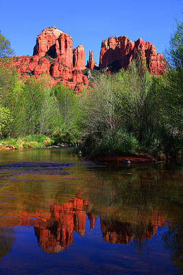 Red Rock Crossing Reflections Art Print by Laurie Larson