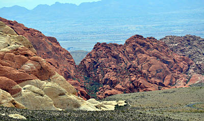 Digital Art - Red Rock West Of Las Vegas by Kirt Tisdale