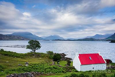 Torridon Wall Art - Photograph - Red Roof Cottage by Maciej Markiewicz