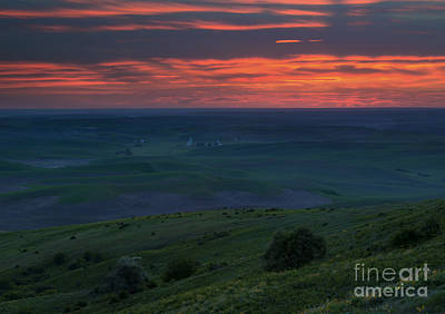 Photograph - Red Skies Over The Palouse by Mike Dawson