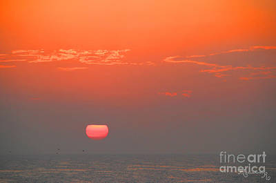 Photograph - Red Sun And Sky by Mariarosa Rockefeller