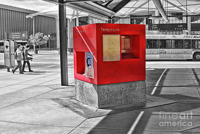 Photograph - Red Telephone by Audreen Gieger
