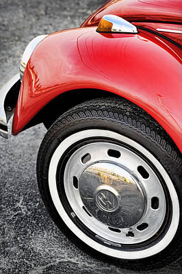 Photograph - Red Vw Beetle 1973 by Gordon Dean II