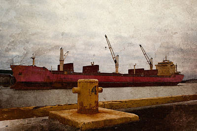 Photograph - Redboat 2 by WB Johnston