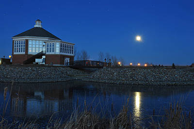 Redlin Photograph - Redlin Art Center In Full Moon by Dung Ma