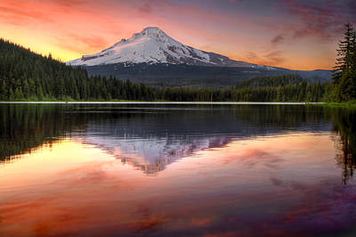 Hiking Photograph - Reflection Of Mount Hood On Trillium Lake At Sunset by David Gn