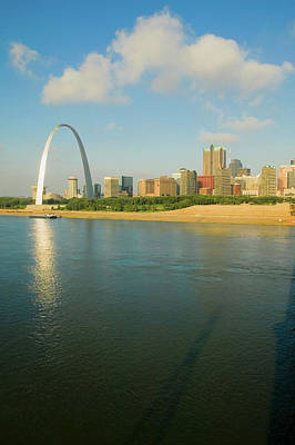 St. Louis Arch Wall Art - Photograph - Reflection On Gateway Arch Gateway by Panoramic Images