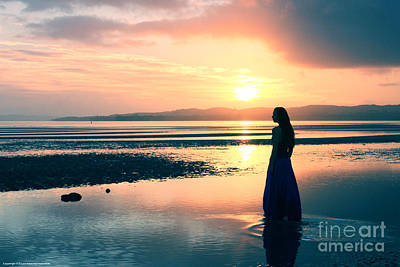 Reflections By The Sea Print by Gee Lyon