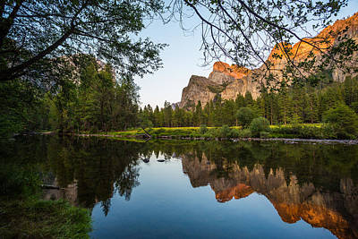 Photograph - Reflections Of Valley View by Mike Lee