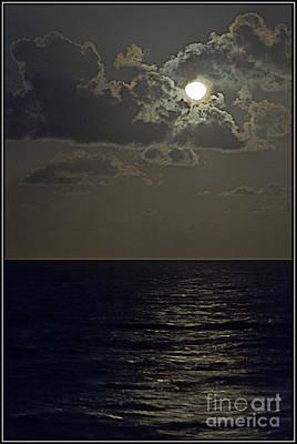 Photograph - Reflejo De Luna by Agus Aldalur