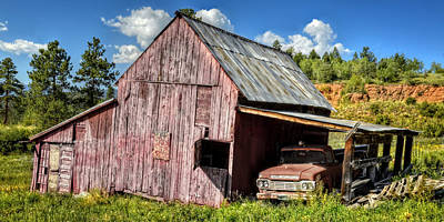 Photograph - Reggie's Barn by Ken Smith