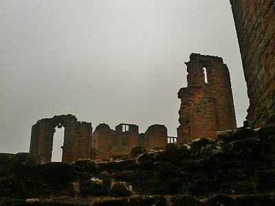 Kenilworth Castle Wall Art - Photograph - Remains by Gav