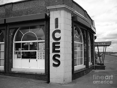 Snack Bar Photograph - Rendezvous Cafe by Malcolm Suttle
