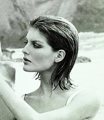 Rene Russo With Hair Done By Harry King Art Print