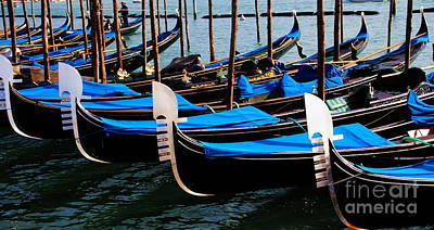 Photograph - Repeat Gondola Pattern by Jacqueline M Lewis