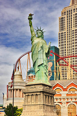 Statue Of Liberty Replica Photograph - Replica Liberty by Lynne Sutherland
