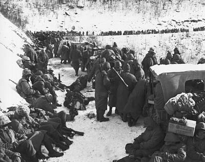 Photograph - Retreat From Chosin Reservoir by Underwood Archives