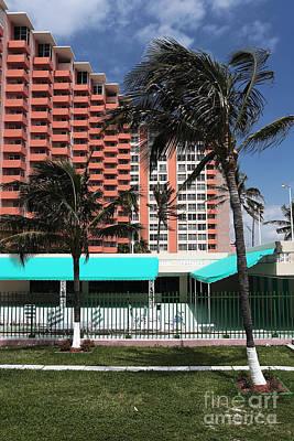 Photograph - Retro South Beach by John Rizzuto