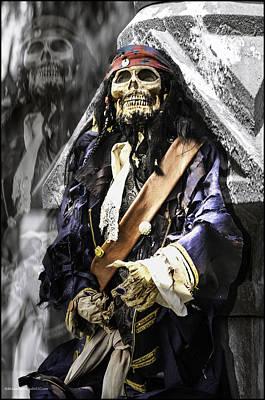 Piracy Jolly Roger Bones Danger Photograph - Return Of The Pirate by LeeAnn McLaneGoetz McLaneGoetzStudioLLCcom