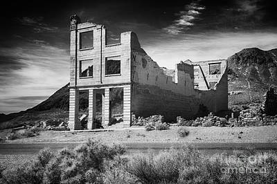 Rhyolite Bank In Death Valley Art Print