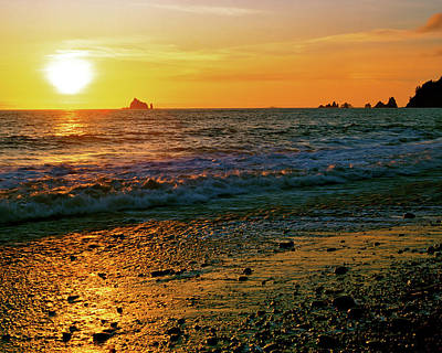 Photograph - Rialto Beach Sunset Olympic National Park by Ed  Riche
