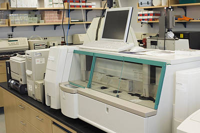 Riboprinter For Genetic Fingerprints Art Print by Science Stock Photography