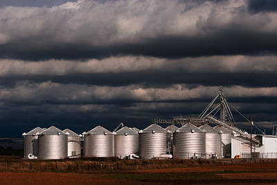 Photograph - Richvale Silos by Robert Woodward