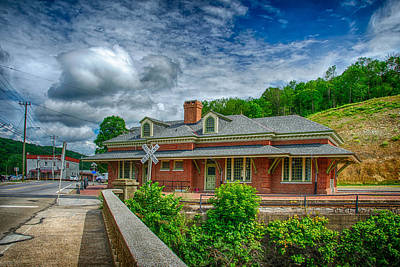 Photograph - Ridgway Depot 3511 In Hdr by Guy Whiteley