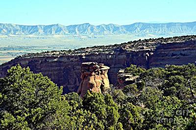 Photograph - Rim Rock Scenic Lookout by Randy J Heath