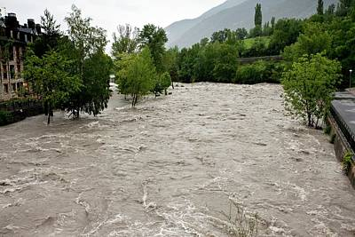 Floods Photograph - Rio Ara Flooding by Bob Gibbons