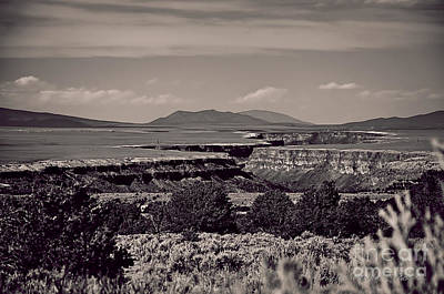 Photograph - Rio Grande Gorge IIi by Charles Muhle