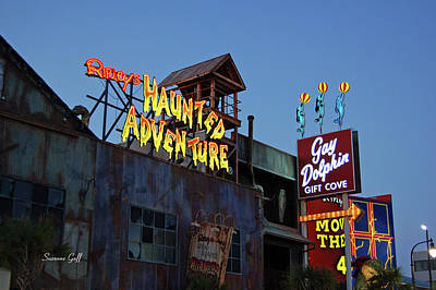 Ripleys Haunted Adventure And The Gay Dolphin-myrtle Beach South Carolina Print by Suzanne Gaff