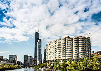 Photograph - River City Apartments And Willis Tower by Semmick Photo