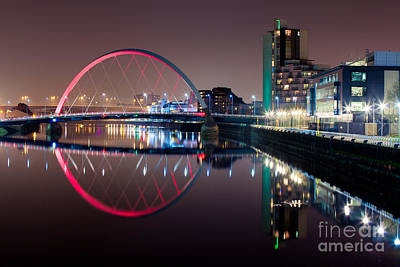Hydro Wall Art - Photograph - River Clyde At Night by John Farnan