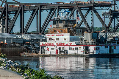 Photograph - River Tug by Joe Scott