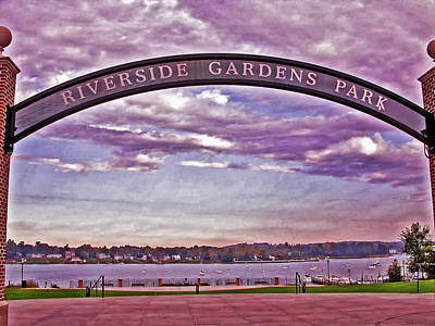 Photograph - Riverside Gardens Park Arch by Gary Slawsky
