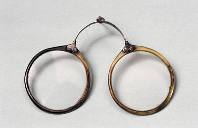 Rivets Photograph - Rivet Spectacles by Science Photo Library