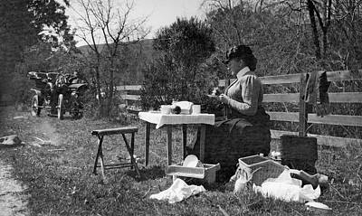 Of The Countryside Photograph - Roadside Picnic In 1908 by Underwood Archives