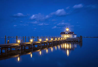 Roanoke Marshes Lighthouse Manteo Nc - Blue Hour Reflections Art Print by Dave Allen