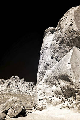 Photograph - Rock Dimensions At The Valley Of The Fire by John Rizzuto