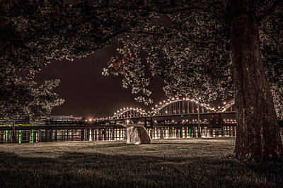 Rock In Leclaire Park Art Print by Ray Congrove